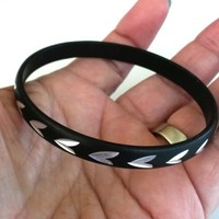 "Vtg Black Aluminum Bangle Thin Bracelet 1960s Diamond Etched 5/16""W"