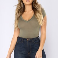 So Sarah V Neck Tee - Army Green