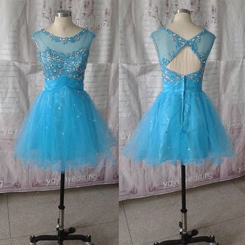 Tulle Skirt Scoop Neckline Appliques Beaded Short Homecoming Dress Party Dress Sweet 16 Dress ET146