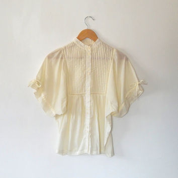 Cream cotton blouse  / high collar / antique / victorian style / vintage / 1980s / bat wing / button up / pleated / broiderie blouse top