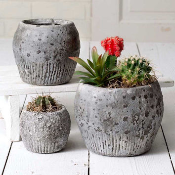ROUND CERAMIC PLANTERS - THREE SIZES - *FREE SHIPPING*