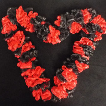 Team Spirit Crochet Ruffled Scarf, Handmade Ruffle Red / Scarlet and Black Lacy College Football
