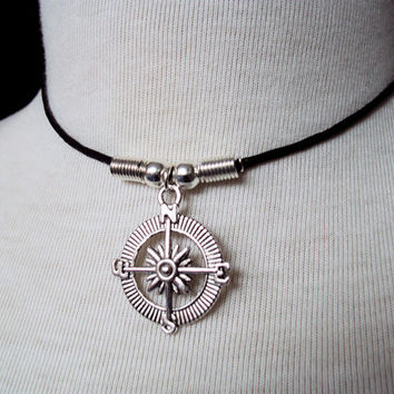 Compass Choker ~ Compass Necklace ~ Nautical Jewelry ~ Gift For Friend ~ Graduation, Graduate ~ Unisex Jewelry ~ Mens Jewelry ~ 90s Style