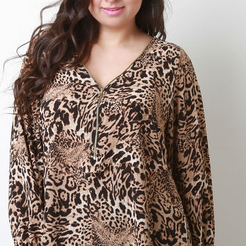 Relaxed Leopard Print Zipper V-Neck Top