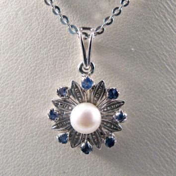 Vintage 18k White Gold Flower pendant with Sapphires and Pearl - Gift for Her - Anniversary