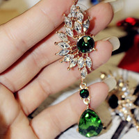 Green Brilliant quality Womens Wing Shape Symmetry Rhinestone Crystal Studs Earrings with a fashion design 5CDH