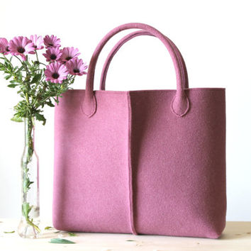 Elegant and casual  mauve felt bag from Italy.