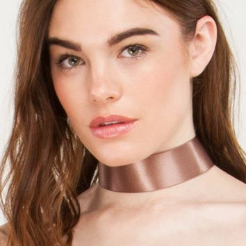 Thick Satin Choker in Brown