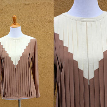 Vtg Silk Nordstom pleated blouse long sleeve button up back Medium size 6 Aztec unique tan  southwestern office