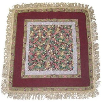 """DaDa Bedding Christmas Fiesta Floral Red Square Tapestry Table Cloth - 59"""" x 59"""" (6068)"""