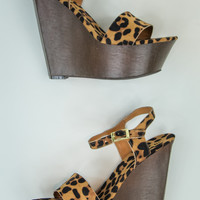 Faux Suede Wedges in Leopard