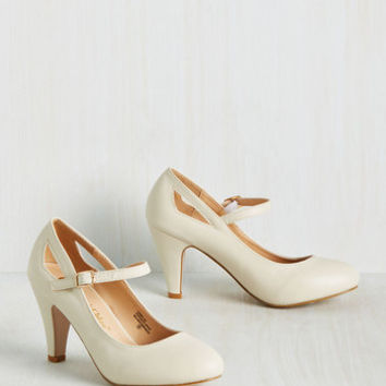 Romantic Revival Mary Jane Heel in Creme | Mod Retro Vintage Heels | ModCloth.com