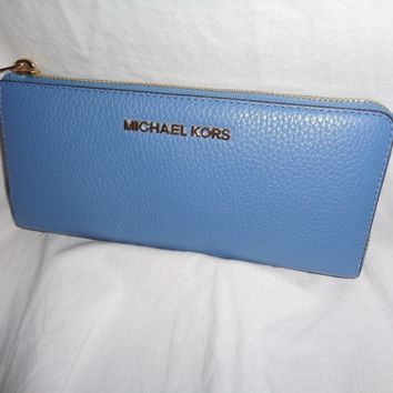 MICHAEL KORS BEDFORD LARGE THREE QUARTER ZIP CLUTCH WALLET SKY BLUE LEATHER