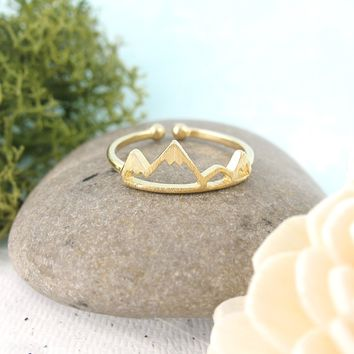 Adventurous Mountain Range Ring in Gold-Plated Sterling Silver