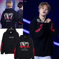 BTS a JIMIN concert in conjunction with a bulletproof Hoodie and cashmere and loose clothes.