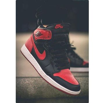 NIKE AIR JORDAN Retro 1 High Tops