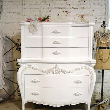 Painted Cottage Chic Shabby French Dresser / Chest CH820