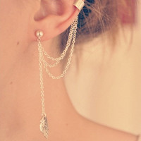 EAR CUFF  Simple Leaf Ear Cuff