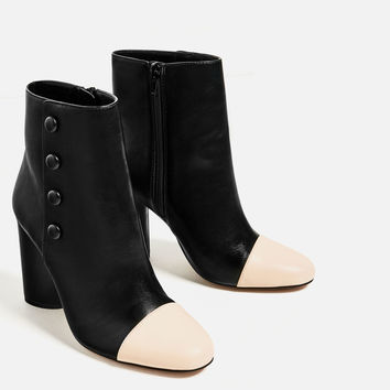 BUTTON DETAIL HIGH HEEL ANKLE BOOTS DETAILS