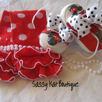 Minnie mouse baby shoes and leg warmers