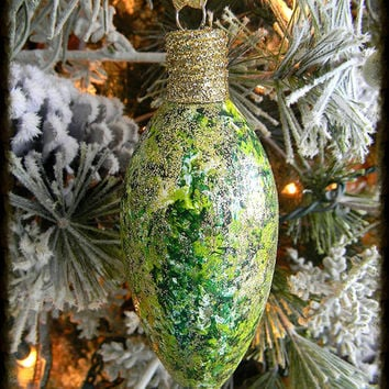 Glass Christmas Ornaments Handmade, Unique Ornaments, Glitter Ornaments, Christmas Bulbs, Painted Ornaments, Christmas Tree Ornaments, Green