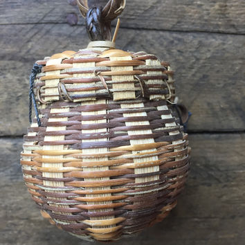 "Mini Woven Lidded Container Basket - Round Shape 3"" H"
