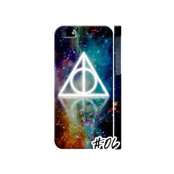 Deathly Hallows Phone Casing by Wolfspark on Etsy