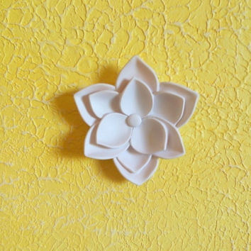 Lotus wall decor Flower 3d Wall art Wall hanging White lotus wall sculpture Polymer clay Modern Home decor Living room decor Gifts under 20