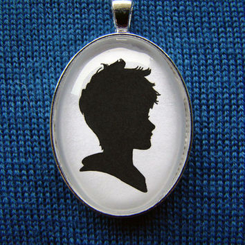 Jack Frost Silhouette Cameo Pendant Necklace