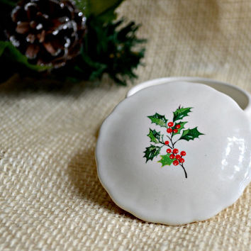 Round Holly trinket dish// Holiday ring dish// Vintage footed Christmas dish