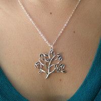 Family tree necklace- Silver  tree necklace- Beautiful tree pendant- Family tree- Nature- Fashion- Spring accessory- Silver tree