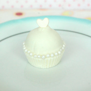 White Cupcake Cake Bite With White Heart Topper and Why Edible Pearls Cake Truffle (12)