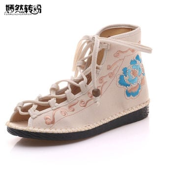Chinese Women Flats Shoes Flower 2017 Summer New Sandals Peep Toe Embroidered Shoes Ethnic Lace up Shoes Woman