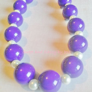 Purple Chunky necklace, bubble gum necklace, toddler boutique necklace, baby chunky necklace, ribbon chunky necklace, popular chunky