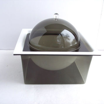 Vintage Space Age Lucite Servingware Dish. Mid Century Modern hot/cold Plate