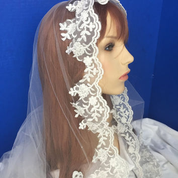 Ivory Bridal Mantilla Bridal Veil Ancelon Lace Floating Veil