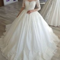 Illusion Neck Long Sleeves Lace Wedding Dress Bridal Gown with Scalloped Trim