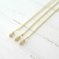 Petite Pineapple Necklace in Gold Matte