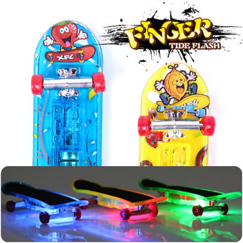 2pcs set Mini Light Skateboard Toys Fingerboard Skateboard Tech Boy Kids Children Gifts Kid Toys Creative Toys