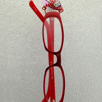Handmade Spotted Abstract  Red and Pink Triangle Magnetic Eyeglass Holder