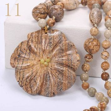 Women Statement Necklace Flowers Natural Stone Pendant Gemstone Men Accessories Fashion Short Necklace Crystal Jewelry