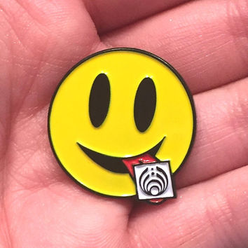 Tripping Bass Bassnectar LSD Acid Smiley Rave EDM Festival Snapback Hat Lapel Pin