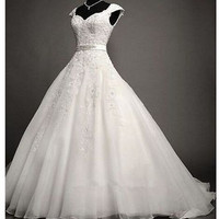 2015 New Mermaid Lace Ivory Wedding Dress Bridal Gown Lace Court Train Buttons