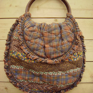 70s ruffled PATCHWORK handbag vintage floral plaid bag wooden round handles hippie boho EARTH TONES cotton quilted fabric purse folk ooak