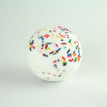 THE CAKE BOMB, Bath Bomb, Bath Fizzer, Bath Fizzie, Surprise Inside, Bath and Body