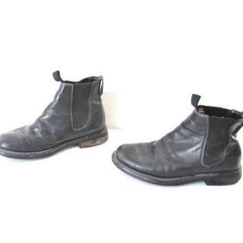 size 8.5 Timberland CHELSEA boots / early 90s GRUNGE minimalist black leather slip on ANKLE booties