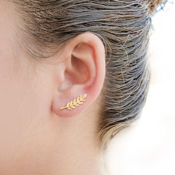 Gold Leaves Ear Pin, Yellow Gold Matte, Leaves Ear Sweep, Minimalist Ear Cuff, Nature, Modern Jewelry, Hand made, Valentines Gift, EC009N