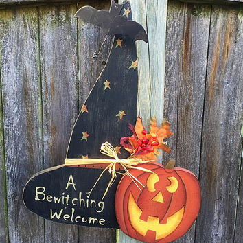 A Bewitching Welcome Wooden Halloween Hanging Sign
