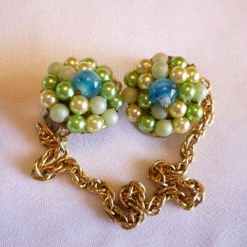 Sweater Guard Clip, 1950s Bead Cluster Sweater Cardigan Clip Chain, Pearl Sweater Clip