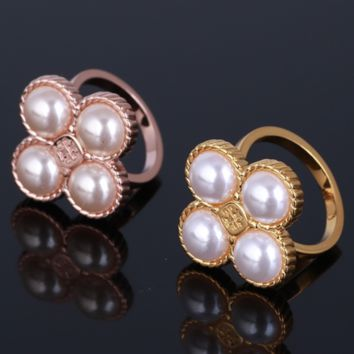Tory Burch Fashion New Floral Pearl Metal Personality Ring Accessories Women